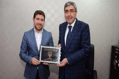 AKP'li yönetici, kamu kurumlarından 5 yılda 230 ihale almış