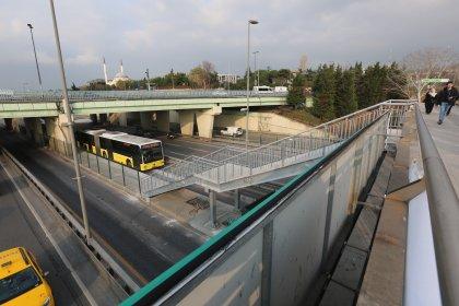 Altunizade metrobüs istasyonu genişletildi