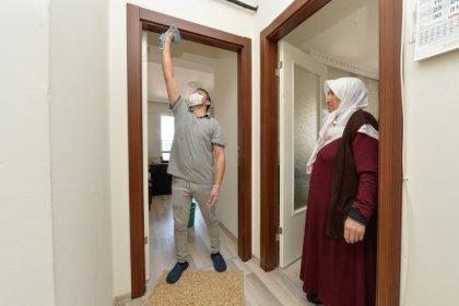 Ankara Büyükşehir Belediyesi'nden bakıma muhtaç yurttaşlara temizlik hizmeti