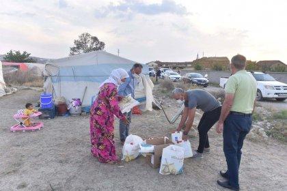 Ankara Büyükşehir Belediyesi'nden mevsimlik işçilere maske ve dezenfektan yardımı