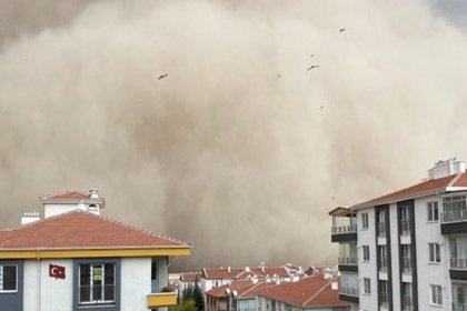 Ankara Polatlı'da kum fırtınası oldu: 6 kişi yaralandı