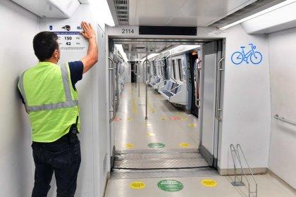Ankara'da toplu taşıma araçlarına yolcu kapasite etiketleri yerleştiriliyor