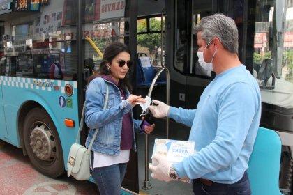 Antalya Büyüküşehir Belediyesi ücretsiz maske dağıtımına başladı