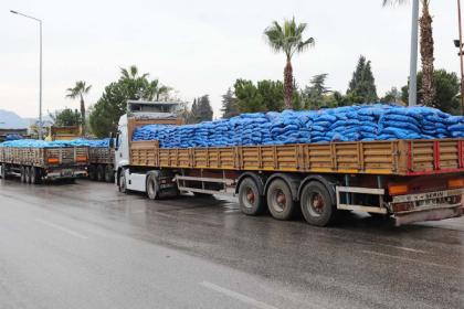 Antalya'da Çevre Kurulu'nun kriterlerine uygun olmadığı tespit edilen 458 ton kömür il dışına çıkarıldı