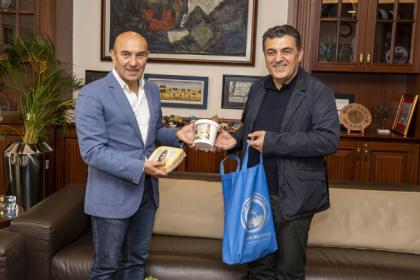 Ardahan Belediye Başkanı Faruk Demir'den Tunç Soyer'e teşekkür ziyareti