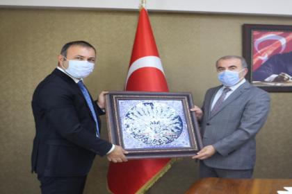 Avanos Belediye Başkanı İbaş, Nevşehir Milli Eğitim Müdürü Murat Demir'i ziyaret etti