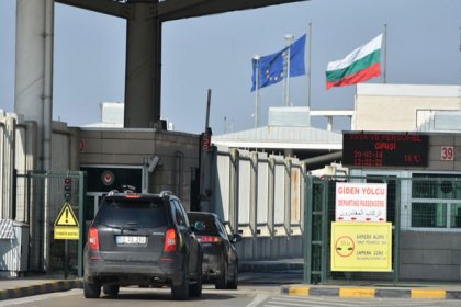 Avrupa'nın 9 ülkesinden gelenler, sınır kapılarından alınmıyor