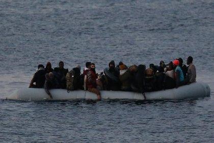 Ayvalık açıklarında bot battı: 4 kişi kayıp