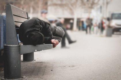 Bakan Selçuk: Koronavirüsle mücadele kapsamında evsizlere konaklama projesi başlıyor