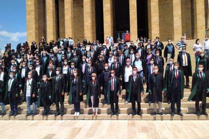 Baro başkanlarının direnişi sonuç verdi: Barikatlar kaldırıldı, başkanlar Anıtkabir'e çıktı