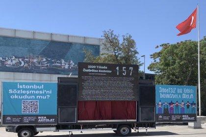 Beşiktaş Belediyesi, ilçenin dört bir yanına 'İstanbul Sözleşmesi'ni okudun mu?' yazılı tabelalar astı