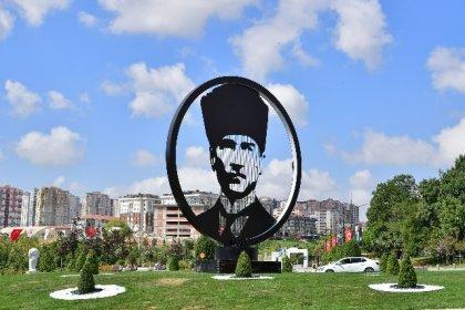 Beylikdüzü'nde Atatürk Bulvarı, Atatürk Silüeti ile taçlandı