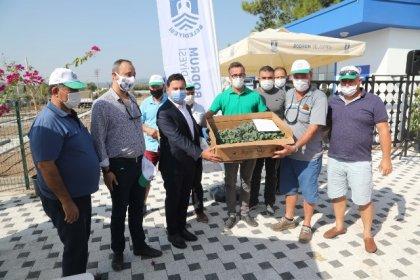 Bodrum Belediye Başkanı Ahmet Aras, 140 bin kışlık fideyi üreticilere hibe etti ve seslendi turizm cenneti Bodrum'da tarım pazarını yaratmak bir zorunluluk biz desteğe devam edeceğiz siz de toprağınıza sahip çıkın