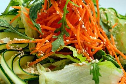 Bu besinler vücudu yeniliyor
