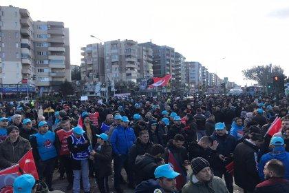 Bursa'da binlerce metal işçisi sokağa indi