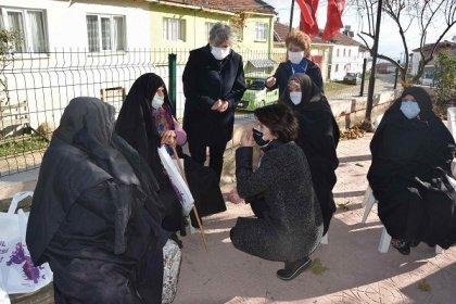 CHP Bursa İl Kadın Kollarından 25 Kasım Kadına Karşı Şiddetle Mücadele Gününde, madenci Lübnan şirketinin doğa katliamına karşı mücadele eden Yenişehir'in Kirazlıyayla Köyü kadınlarına dayanışma ziyareti