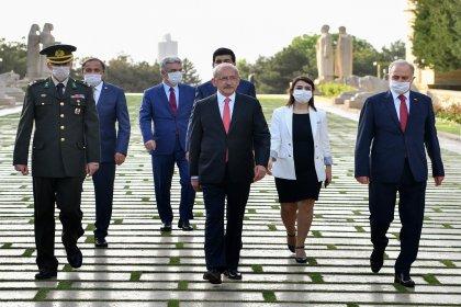 CHP Genel Başkanı Kemal Kılıçdaroğlu ve CHP Heyeti Ata'nın huzurunda