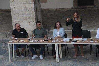CHP Kadın Kolları Başkanı Nazlıaka Kuşadası'nda partililerle bir araya geldi