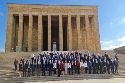 CHP yönetiminden, 97'nci kuruluş yıl dönümünde Anıtkabir'e ziyaret