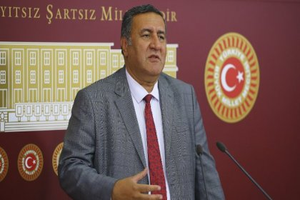 CHP'li Gürer: Bakan depodaki patates için çözüm getiremiyor