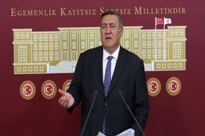 CHP'li Gürer: Bakanlıklardaki üst düzey kadrolar vekaletle yönetiliyor