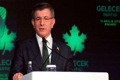 """Davutoğlu, Berat Albayrak'ı hedef aldı: """"Hazine ve Maliye Bakanlığı'nın ismi 'Liyakatsizlik ve Ciddiyetsizlik Bakanlığı' olsun"""""""