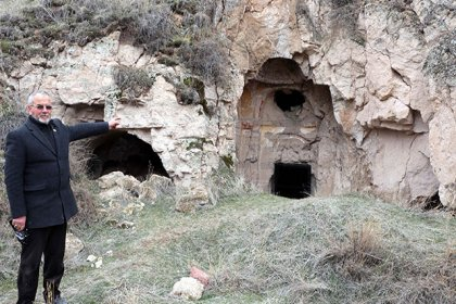 Defineciler Kayseri'deki Beşaret Kaya Kilisesi'ni talan etti