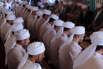 'Dini yapılar tarafından kuşatılmış bir devlet var'