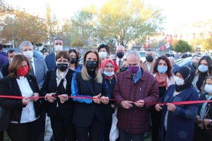 Edremit'te 'Eşitlik Parkı' açılışını CHP Kadın Kolları Genel Başkanı Aylin Nazlıaka yaptı