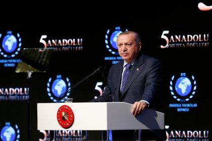 Erdoğan: Sosyal medya devasa ve tamamen kontrolsüz bir alan olarak adeta hayatımızın tam ortasına düştü