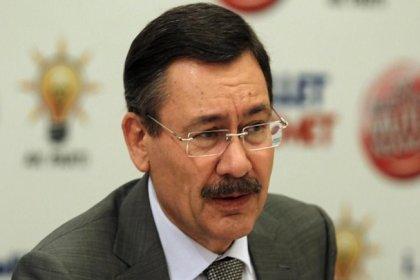 Eski Ankara Büyükşehir Belediye Başkanı Melih Gökçek, AKP'nin kampanyasına 39 TIR'lık malzemeyle katılmış