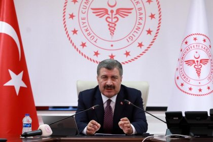 Fahrettin Koca koronavirüsten 63 kişinin daha hayatını kaybettiğini açıkladı: Yaşamını yitirenlerin sayısı 277'ye yükseldi
