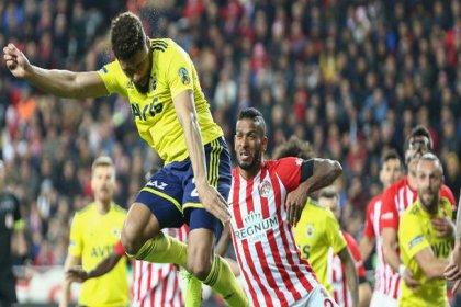 Fenerbahçe, Antalyaspor'la 2-2 beraber kaldı