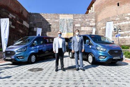 Ford Otosan'ın Ankara Büyükşehir Belediyesi'ne hibe ettiği hibrit araçlar ücretsiz ring hizmetinde kullanılacak