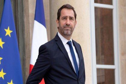 Fransa İçişleri Bakanı'ndan karantinaya uymayanlara tepki: Embesiller!