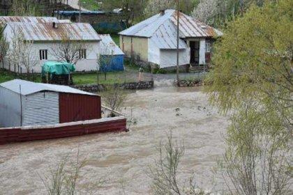 Habur Çayı taştı; 2 köy su altında