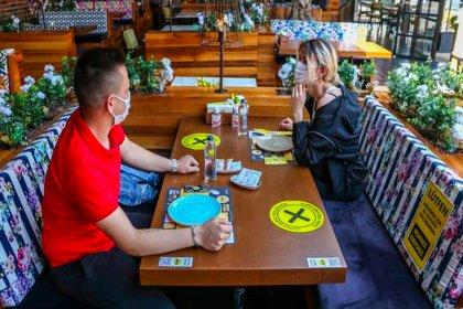 'Hane halkı dışındaki kişilerle birlikte yeme içme çok riskli'