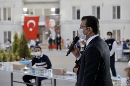 İBB Başkanı Ekrem İmamoğlu, metro inşaatında çalışanlarla iftar açtı