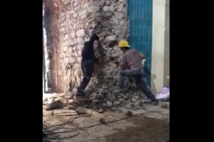 Galata Kulesi'nin içini delici aletlerle kırdılar, İBB Kültür Varlıkları Daire Başkanı Mahir Polat tepki gösterdi: Suç niteliğinde