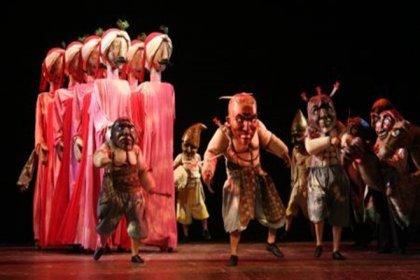 İBB Şehir Tiyatroları Surname 2010 oyununu online yayınlıyor