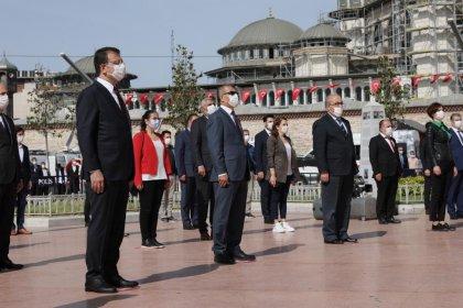 İmamoğlu, 19 Mayıs'ın 101. yıl dönümünde Taksim'deydi