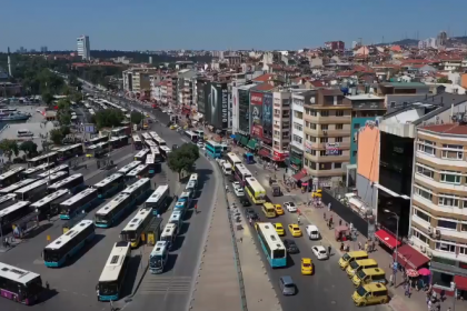 İmamoğlu: Kadıköy'de 3 aylık bir çalışmayla yılların sorununu kökünden çözdük