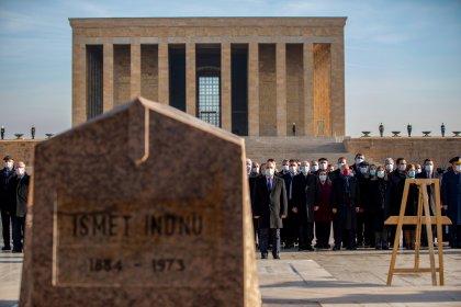 İsmet İnönü ölümünün 47. yılında Anıtkabir'deki mezarı başında anıldı