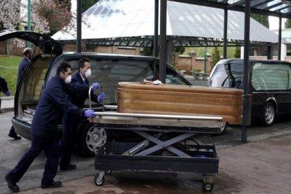 İspanya'da çalışanlar huzurevlerini terk etti, yaşlılar yataklarında ölü bulundu