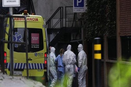 İspanya'da son 24 saatte koronarivüsten 832 kişi öldü