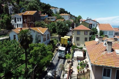 İstanbul'un 39 ilçesinde yolların yenilenmesi sürüyor
