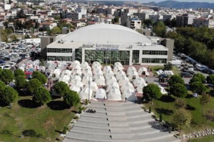 İzmir'deki deprem çadırları kaldırılıyor
