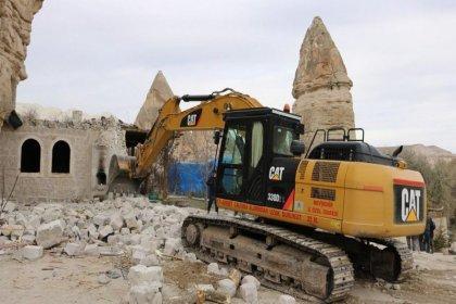 Kapadokya'da belediye başkanının oğlunun iş yeri yıkıldı