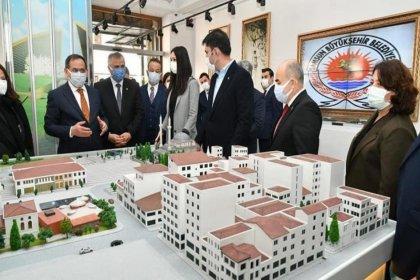 Karantinada olması gereken AKP'li başkan etkinlik etkinlik geziyor