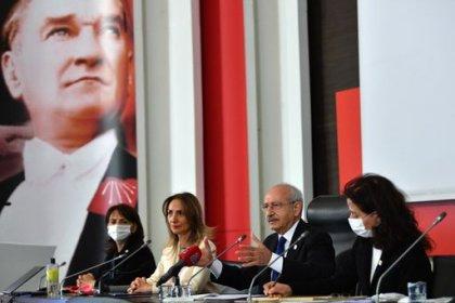 Kılıçdaroğlu, kadın kolları il ve ilçe başkanlarıyla bir araya geldi